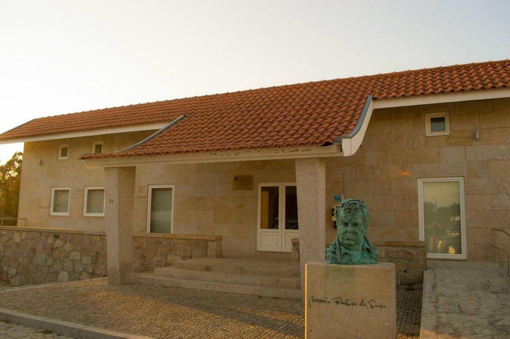 Salão e Sede de Junta